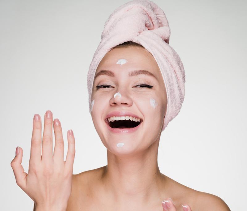 ניקוי פנים